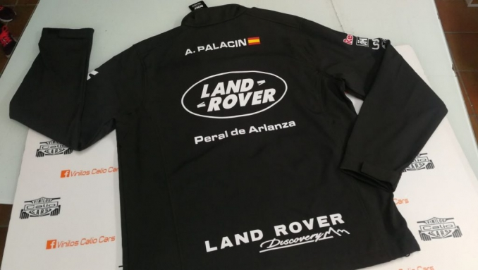 CHAQUETA SOFT SHELL PERSONALIZADA LAND ROVER  VINILOS CALIO CARS