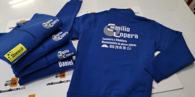ROPA LABORAL PERSONALIZADA EMILIO LOPERA PLACAS SOLARES VINILOS CALIO CARS LOJA GRANADA
