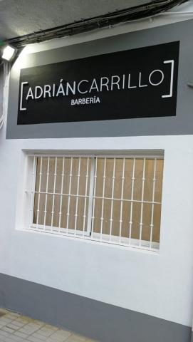 ROTULO CORPOREO BARBERIA ADRIAN CARRILLO VINILOS CALIO CARS LOJA GRANADA